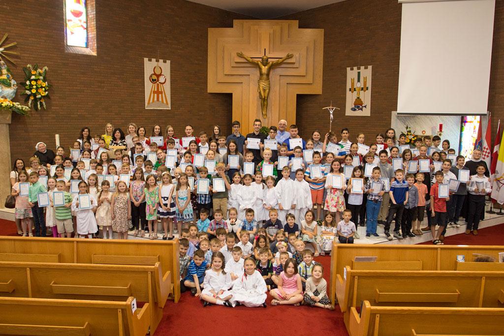Hrvatima Oakvillea Obitelj I Vjera Na Prvom Su Mjestu Katolicki