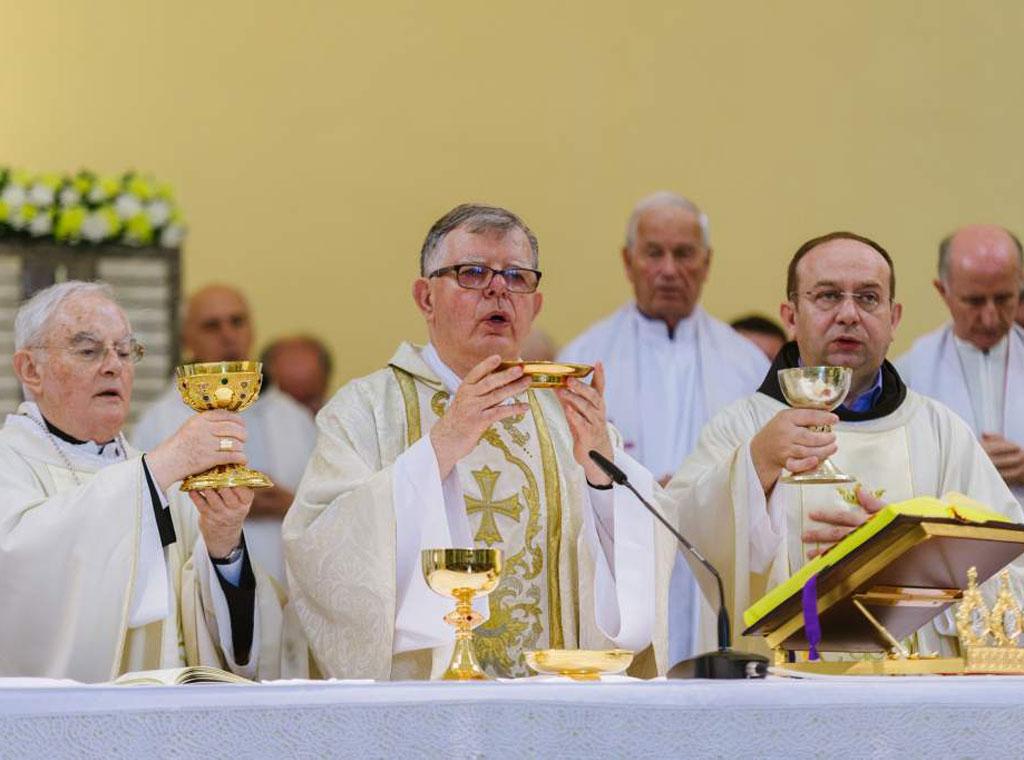 prigodne čestitke za mladu misu Zlatna misa fra Karla Lovrića | Katolički tjednik prigodne čestitke za mladu misu
